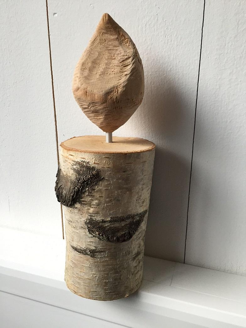 holzkerze aus birke mit flamme geschnitzt carve. Black Bedroom Furniture Sets. Home Design Ideas